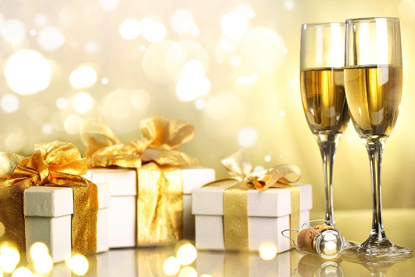 champagne_boxes_gifts_holiday_christmas_merry